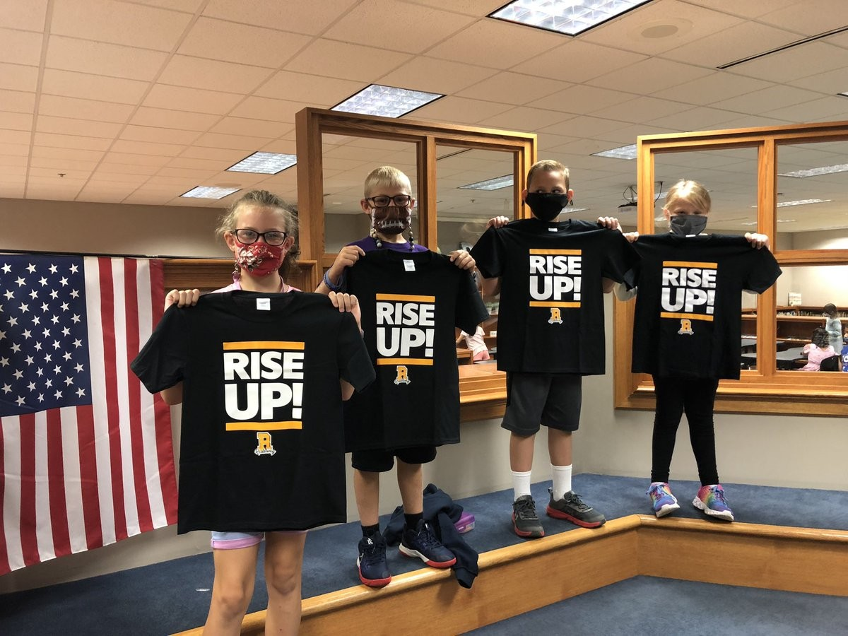 Our 3rd-5th grade Leaders of the Month have risen up to the leadership challenge to begin the 2020-21 school year. We are very proud of these young folks! #StingersUp #RiseUp #Soar2x https://t.co/aeZLAgiULl